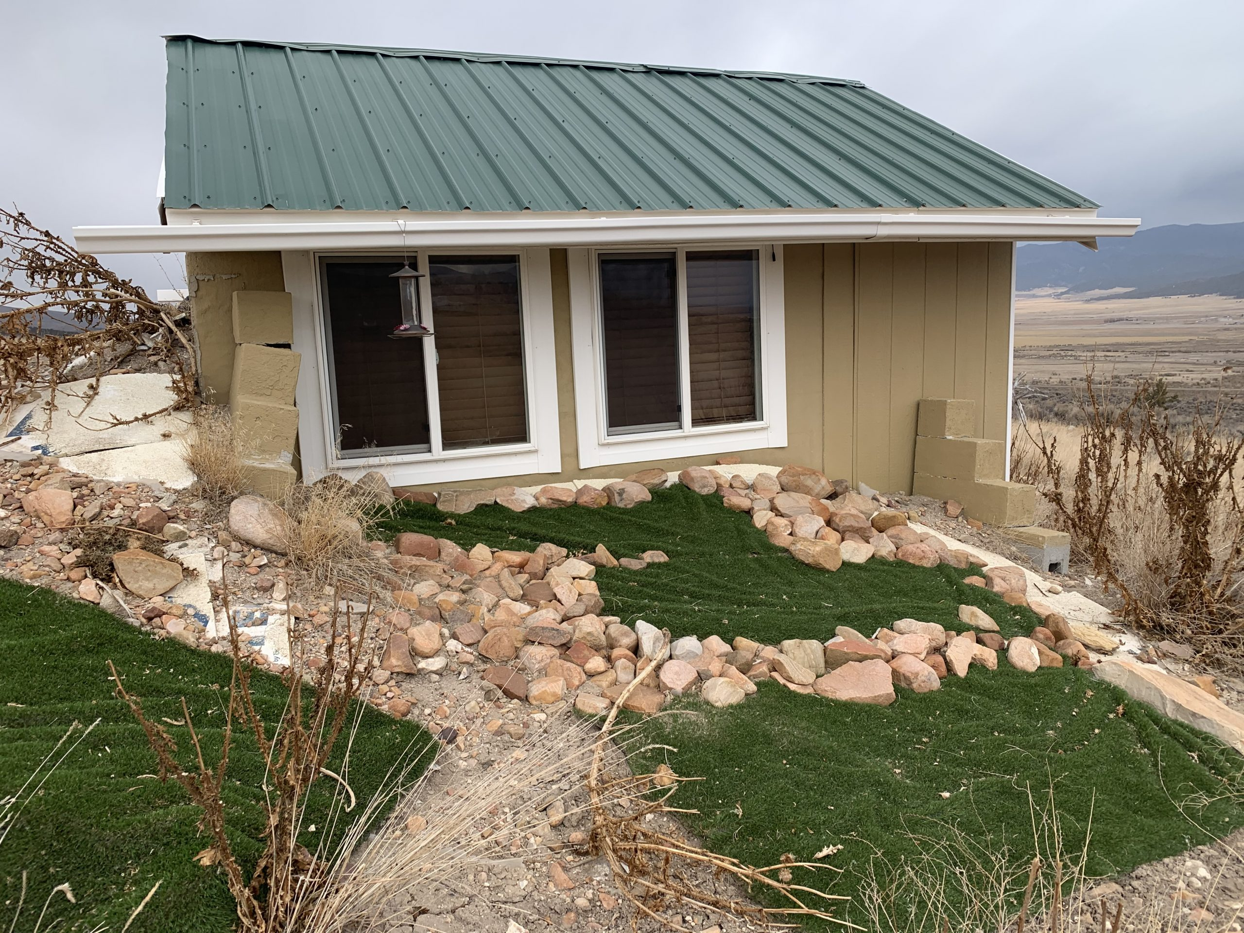 SOLD    2.5 Acres in Sanpete County with small Building